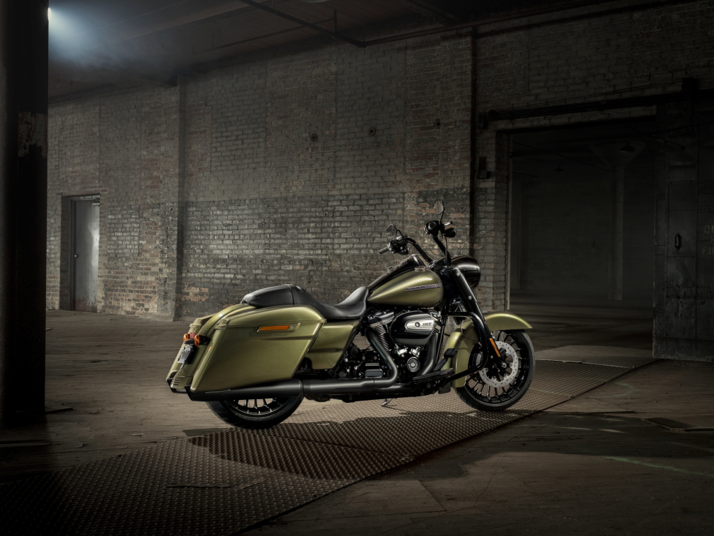 Desktop Wallpaper Harley-davidson Road King, Motorcycle