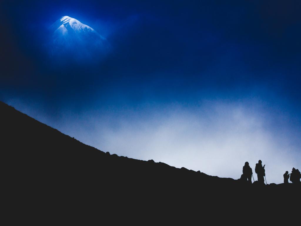 4k Girls Redmi Note 5 Mobile Wallpaper: Desktop Wallpaper Himalayas, Mountains, Night, Climbing