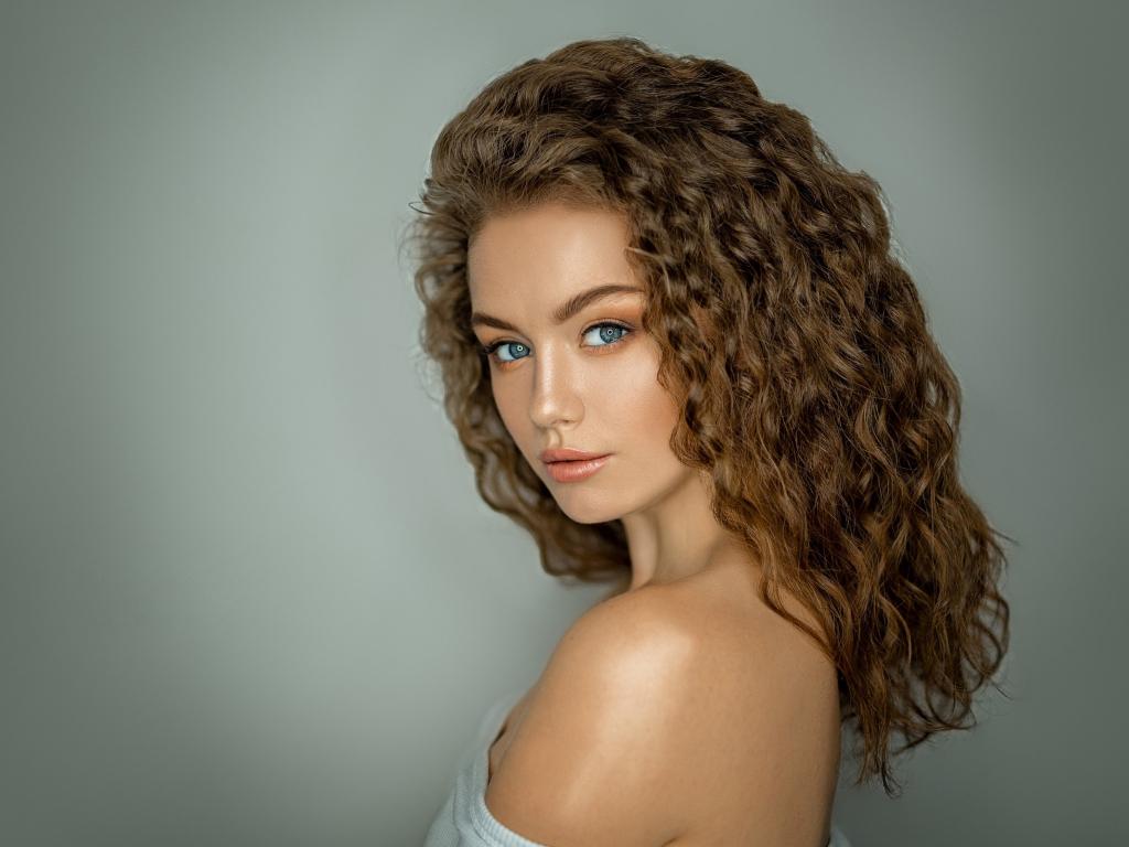 Desktop Wallpaper Brunette, Woman, Curly Hair, Hd Image
