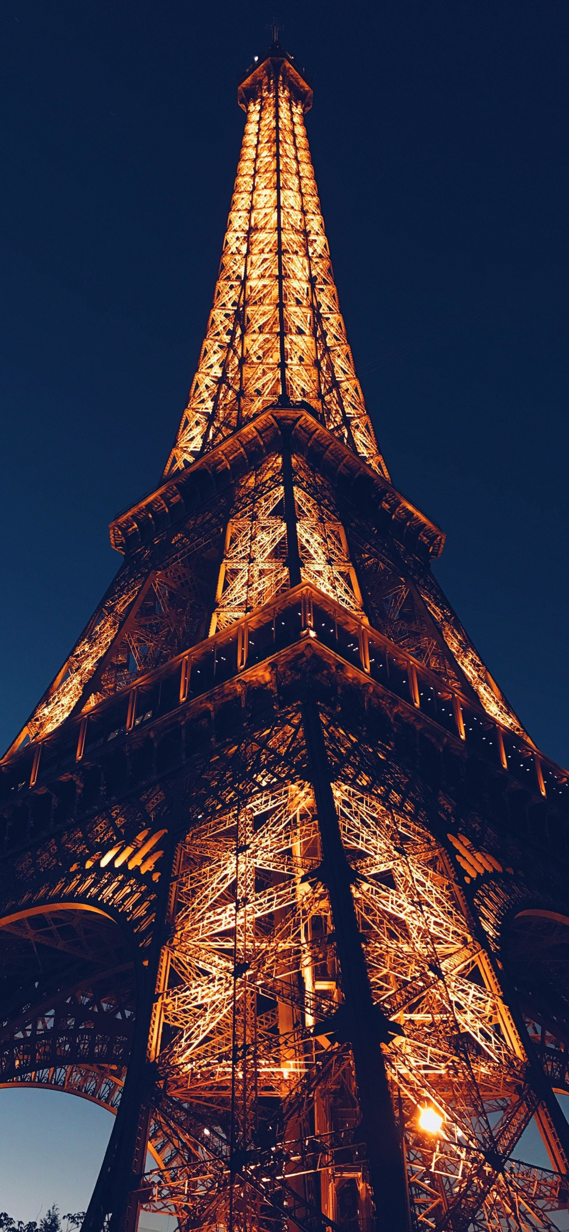 Download 1125x2436 Wallpaper Eiffel Tower City Paris Night Architecture Iphone X 1125x2436 Hd Image Background 18369