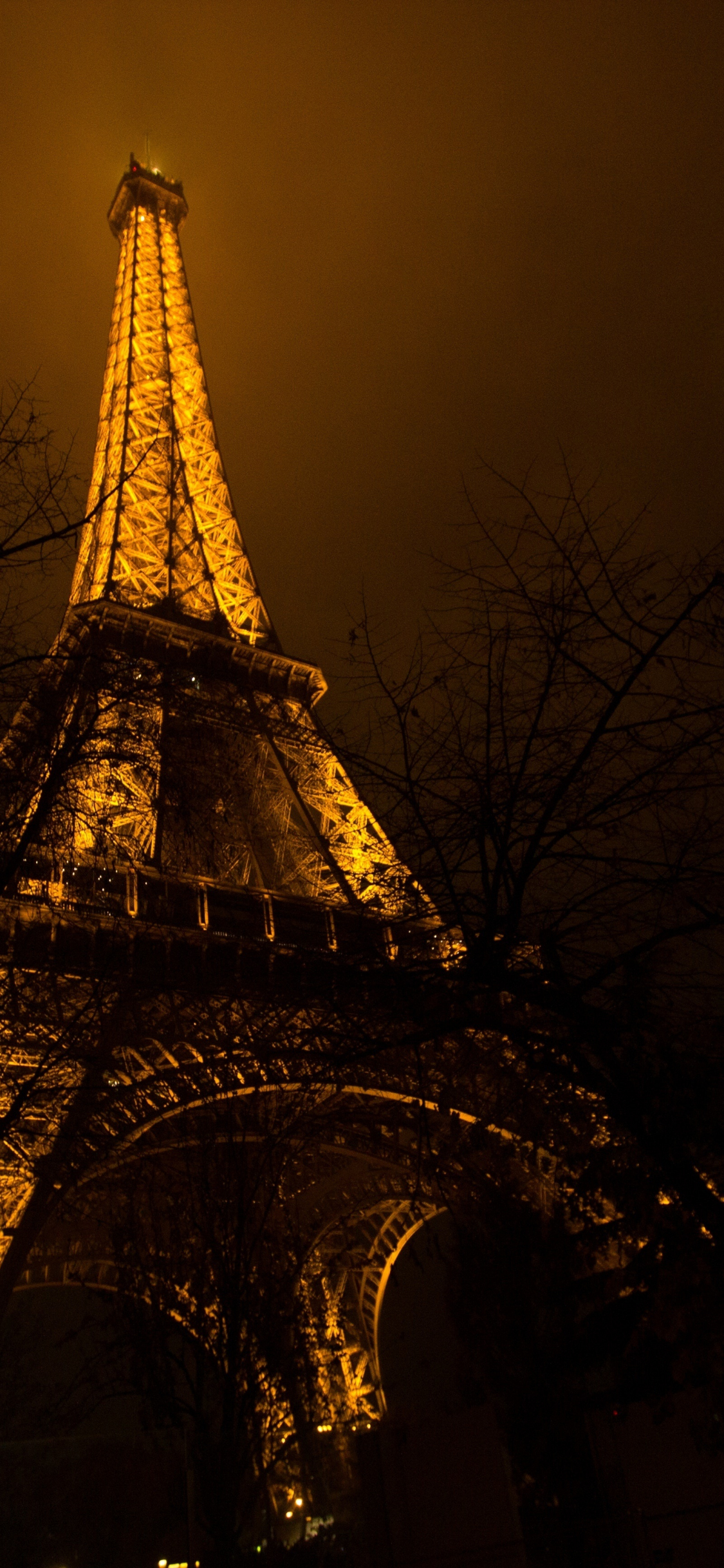 Download 1125x2436 Wallpaper Eiffel Tower Architecture Night