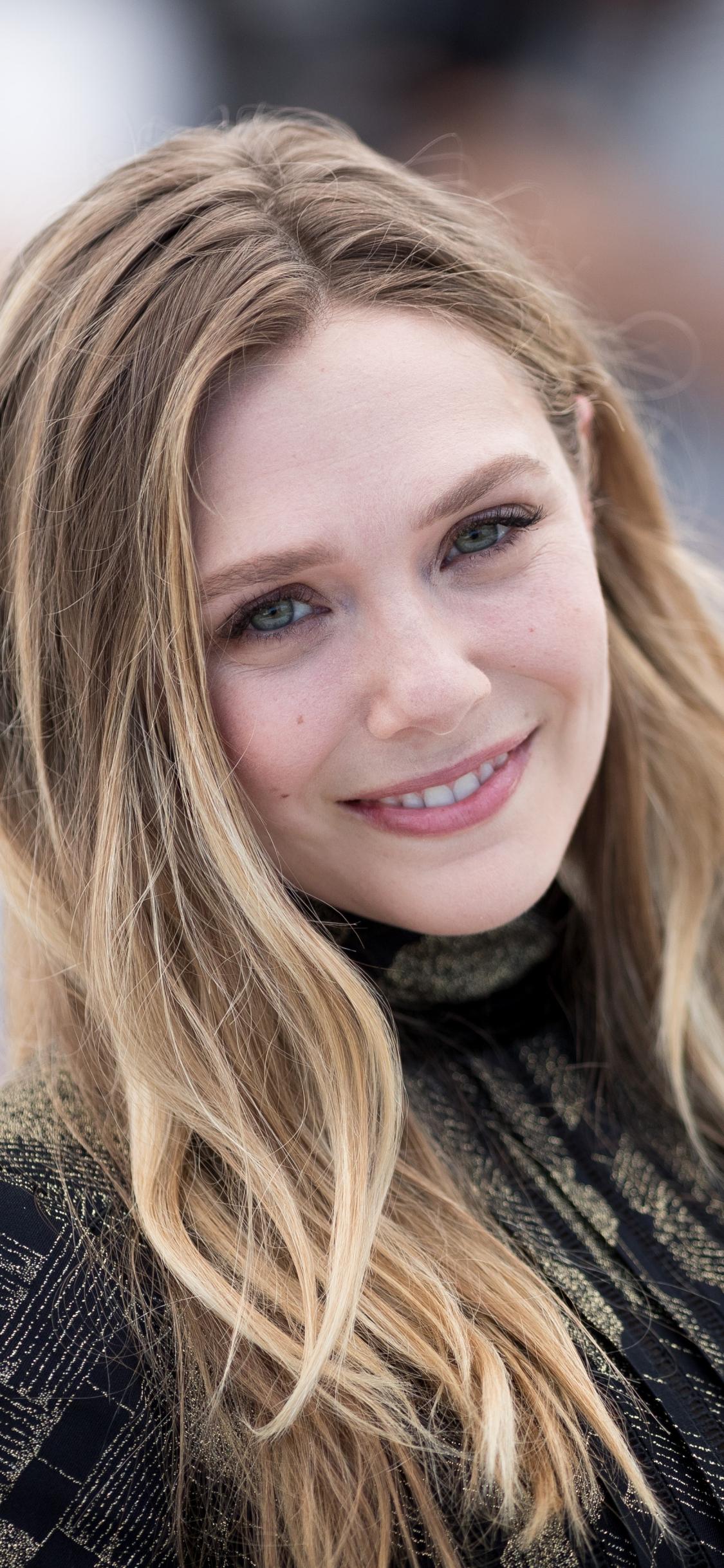 Smile, actress, at premier, Elizabeth Olsen, 1125x2436 wallpaper