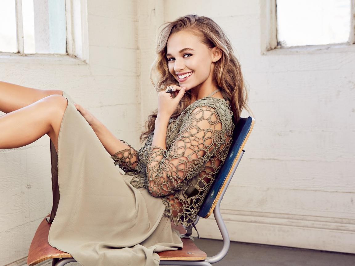 Madison Iseman, actress, smile, 2019, 1152x864 wallpaper