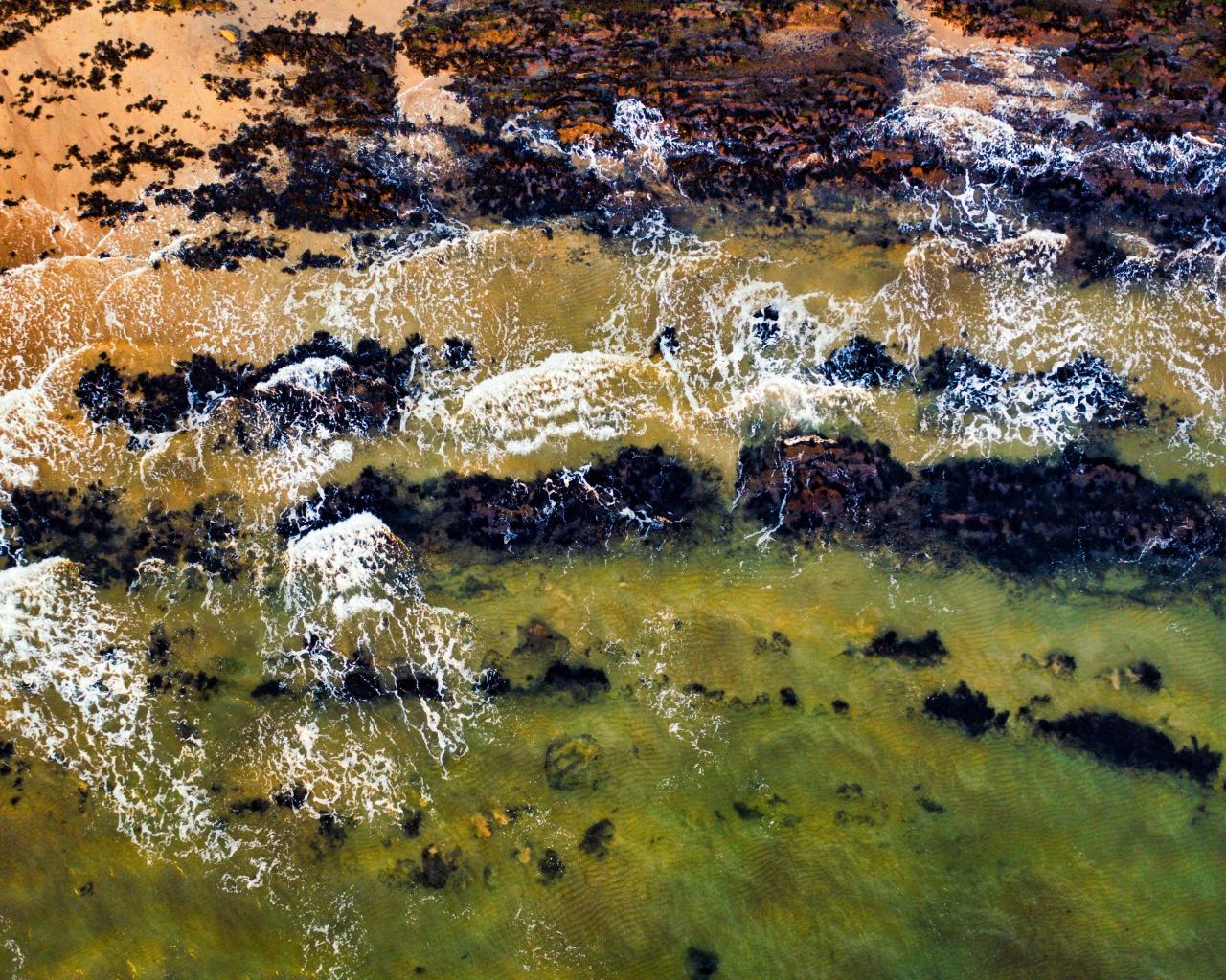 Green, body of water, waves, coast, 1280x1024 wallpaper
