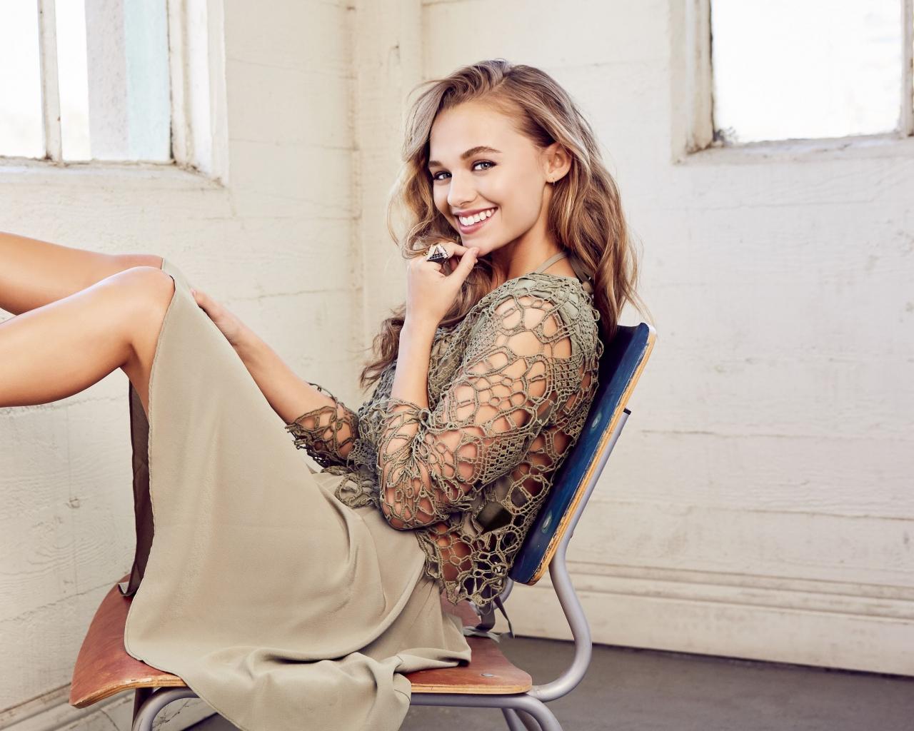 Madison Iseman, actress, smile, 2019, 1280x1024 wallpaper