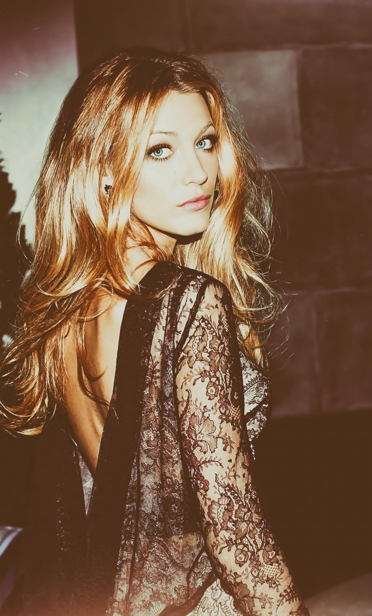 Download 1280x2120 Wallpaper Black Dress Blake Lively Actress Iphone 6 Plus 1280x2120 Hd Image Background 6922