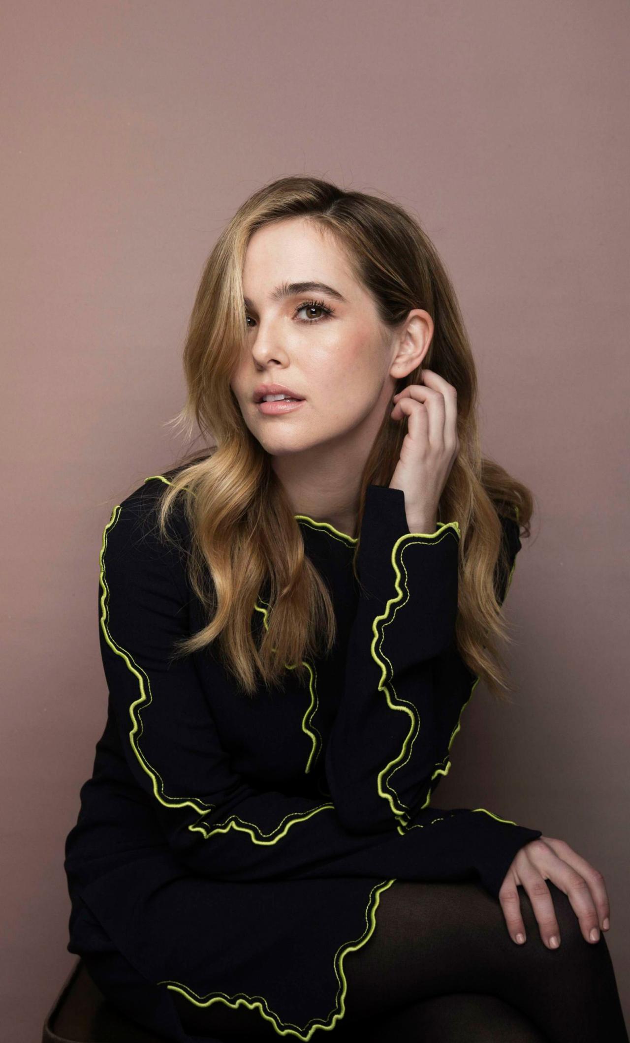 Zoey Deutch, blonde actress, 1280x2120 wallpaper
