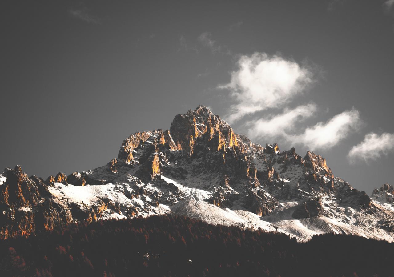 Mountain cliffs, nature, sky, clouds, tree, 1280x900 wallpaper