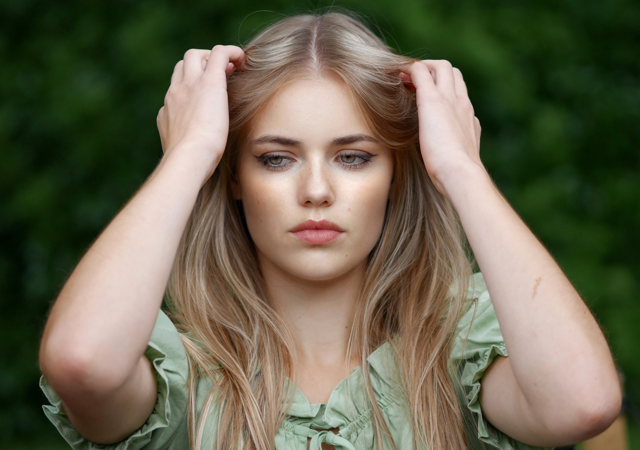 Pretty woman, blonde, model, beautiful, 1280x900 wallpaper