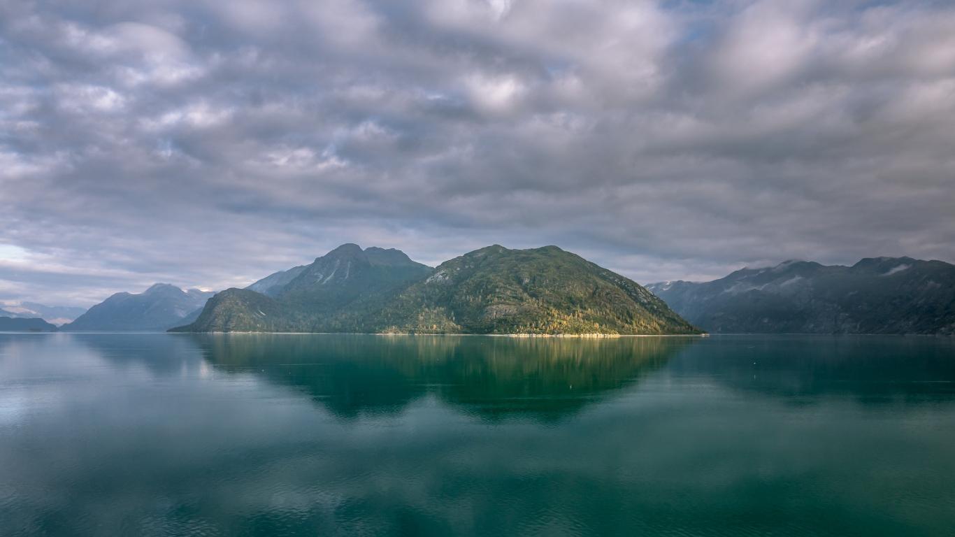 Alaska mountains, lake, clouds, 1366x768 wallpaper