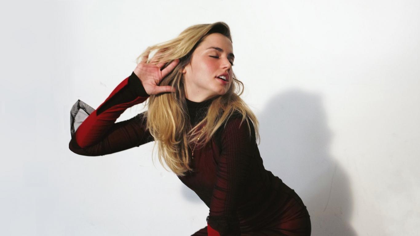 Ana De Armas Hot Pics download 1366x768 wallpaper ana de armas, blonde, photoshoot