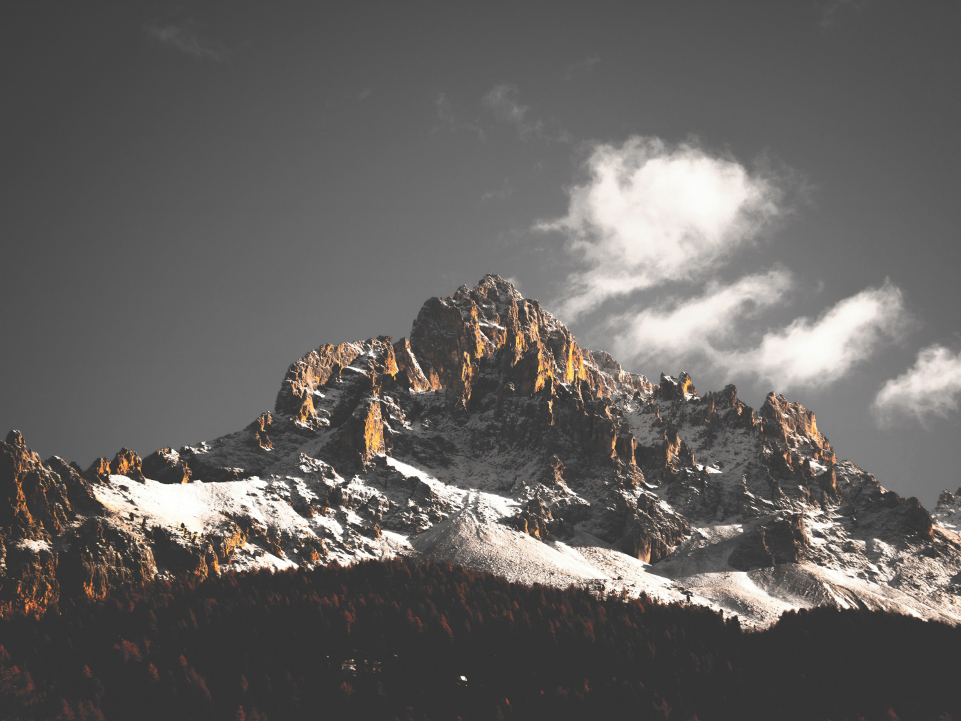 Mountain cliffs, nature, sky, clouds, tree, 1400x1050 wallpaper