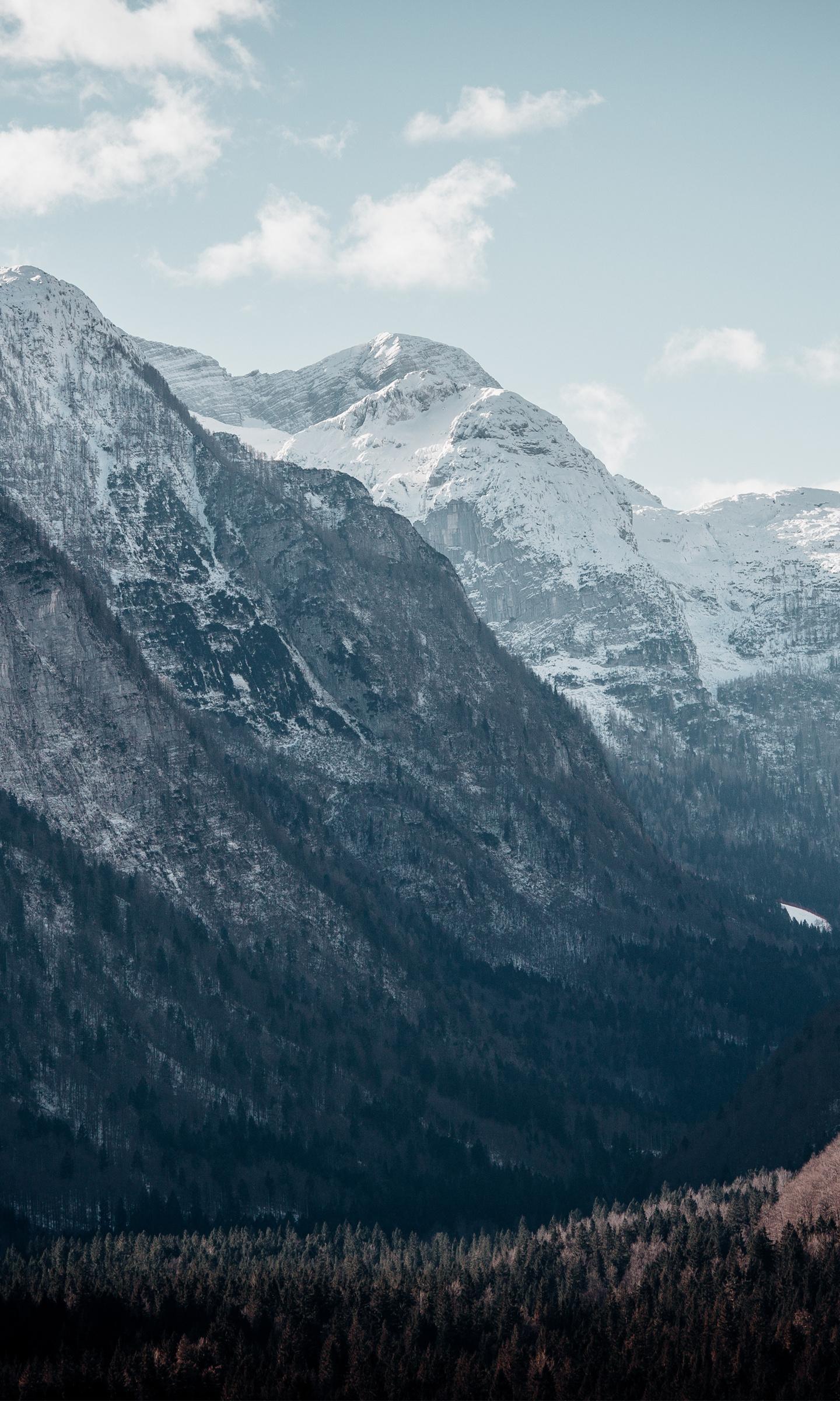 Download Wallpaper Mountain Samsung Galaxy S7 - mountain_peaks_valley_4k  Photograph_873021.jpg