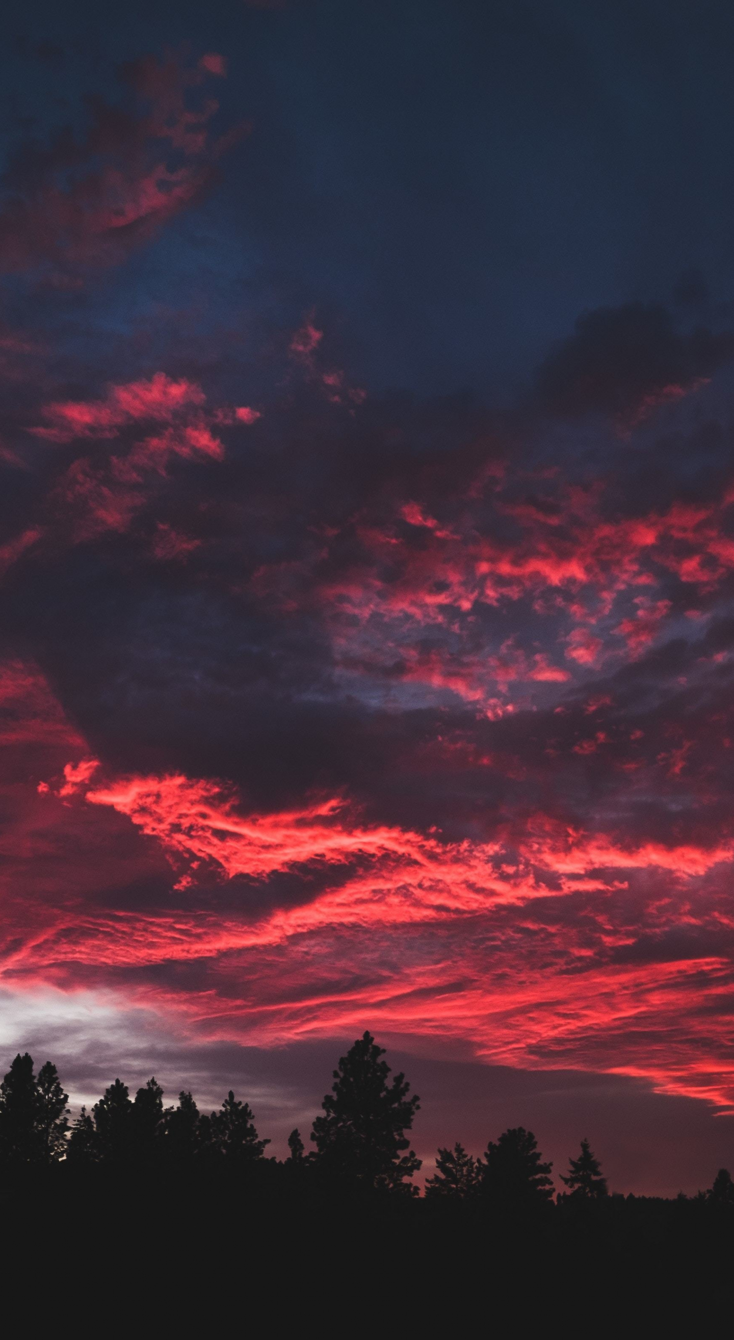 Download 1440x2630 Wallpaper Colorful Clouds Sunset Dark