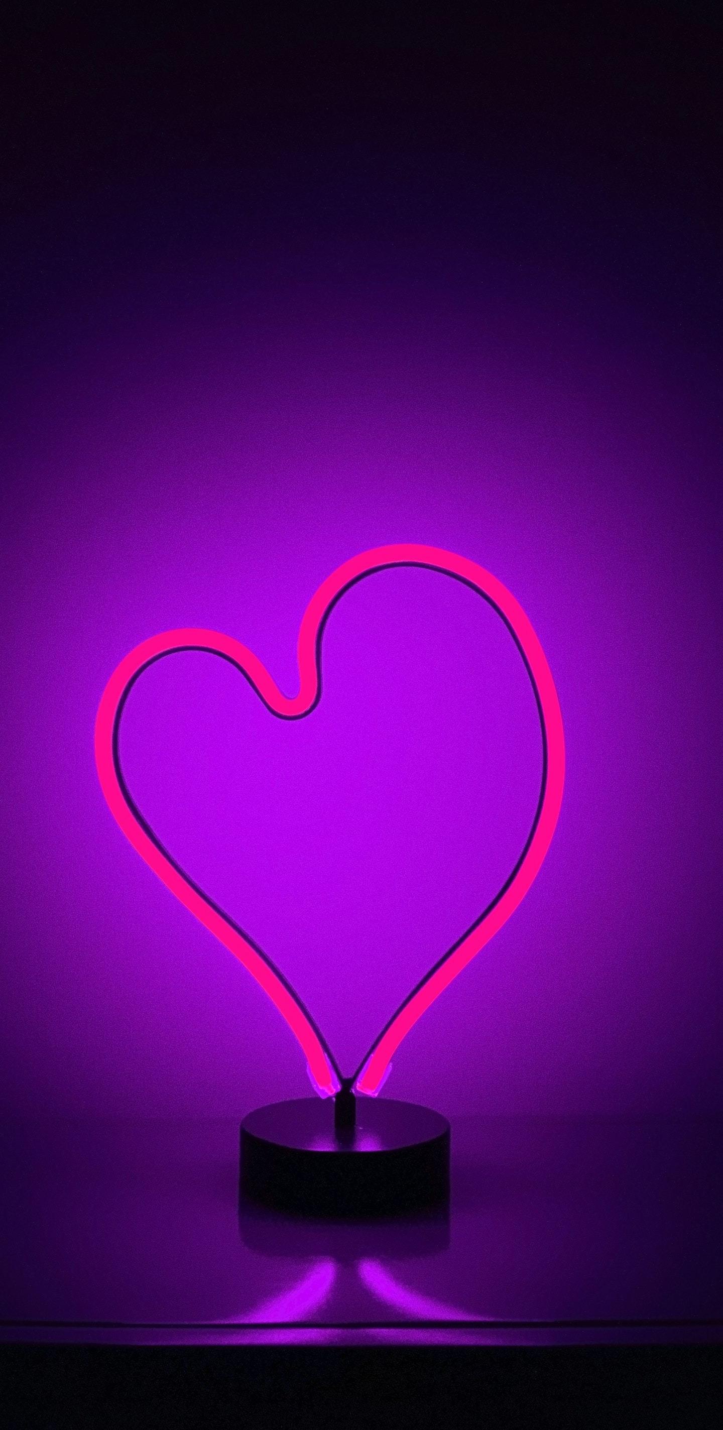 love heart neon purple light 4k