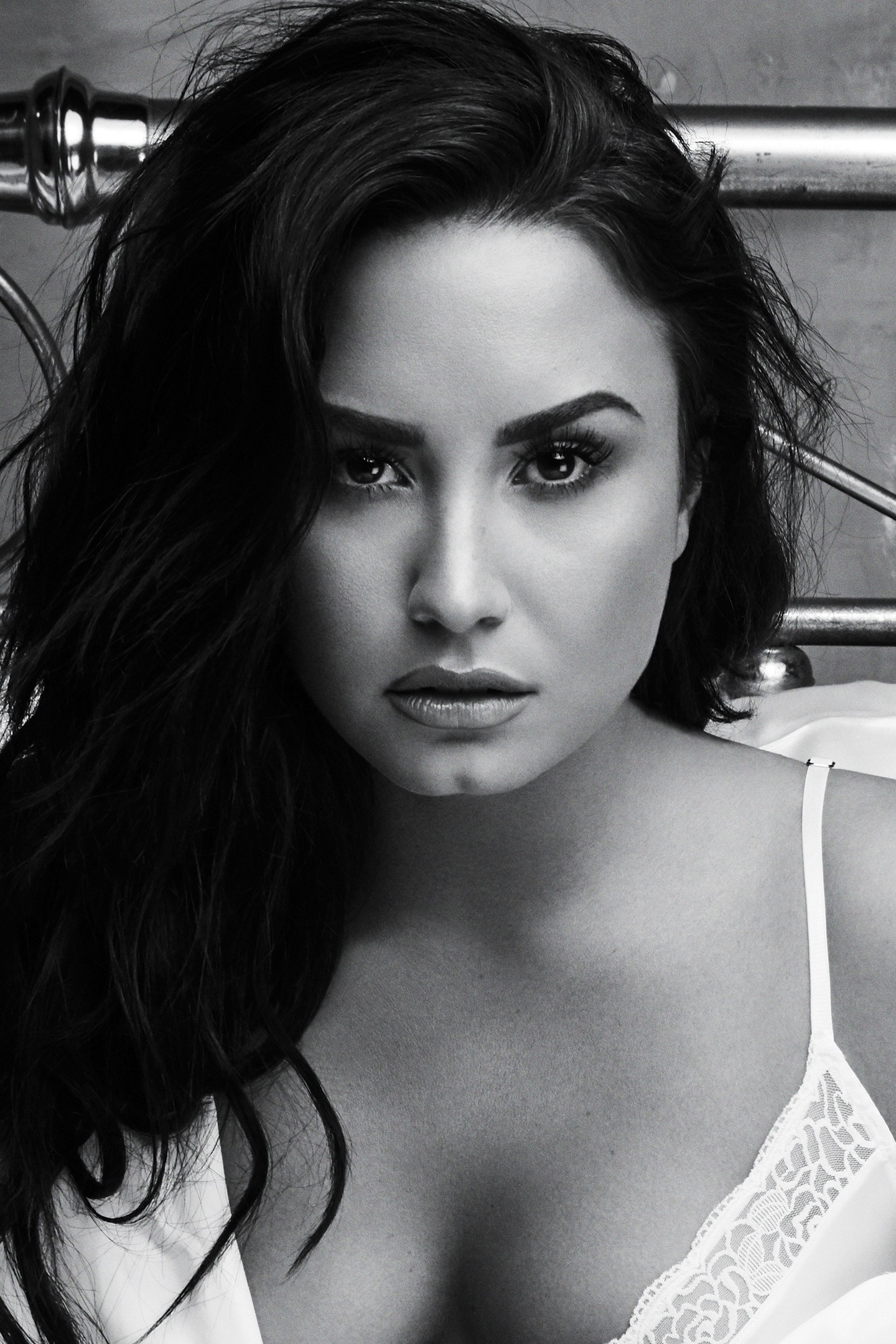 Demi Lovato, 2018, Monochrome, Hot, 1440X2880 Wallpaper