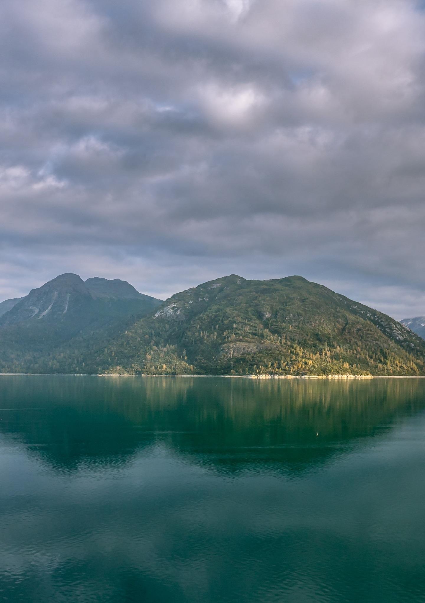 Alaska mountains, lake, clouds, 1440x2880 wallpaper