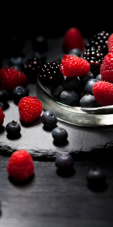 Dark mood, food, fruits, Raspberry, blueberry, Blackberry, 1440x2880 wallpaper