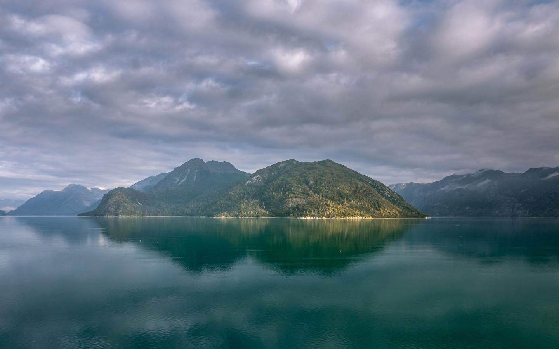 Alaska mountains, lake, clouds, 1440x900 wallpaper