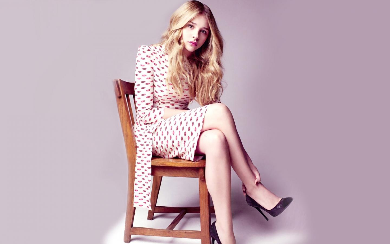 Chloe Grace Moretz, sit, celebrity, 1440x900 wallpaper