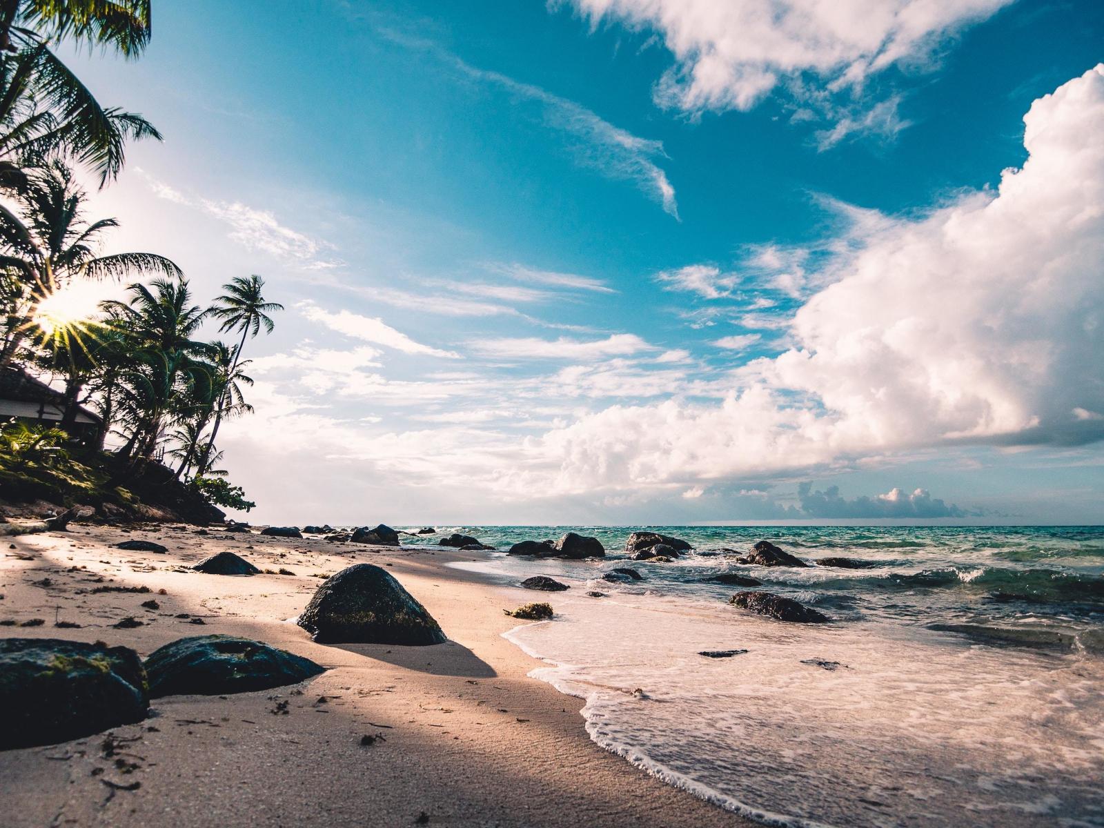 Download 1600x1200 Wallpaper Beach Rocks Sunny Day Nature