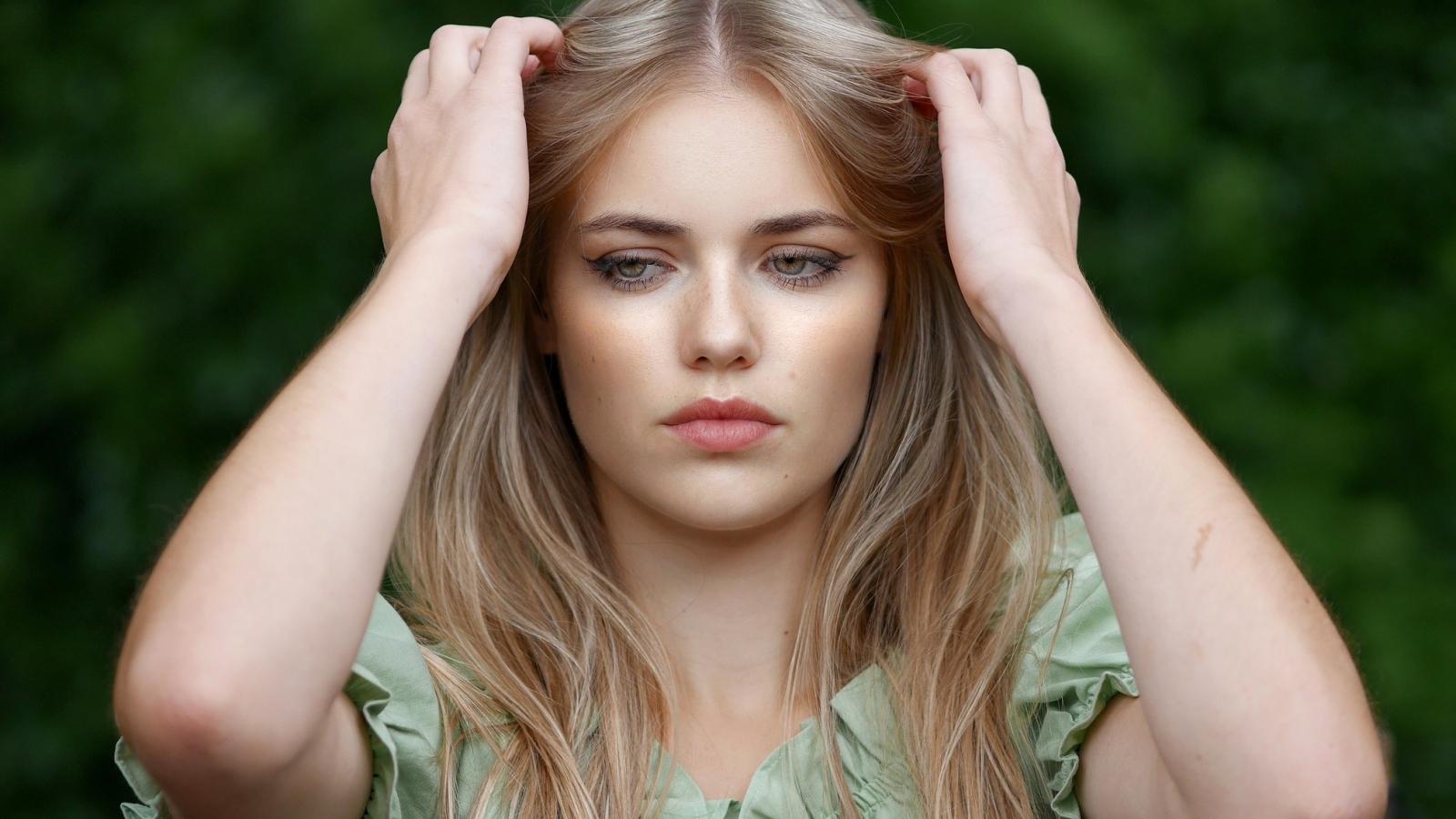 Pretty woman, blonde, model, beautiful, 1600x900 wallpaper
