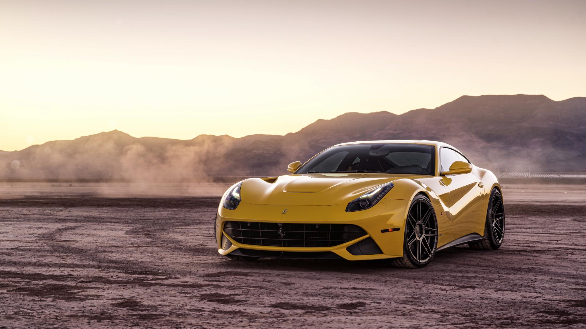 желтый спортивный автомобиль Ferrari F12 Berlinetta Wheelsandmore  № 1564300  скачать