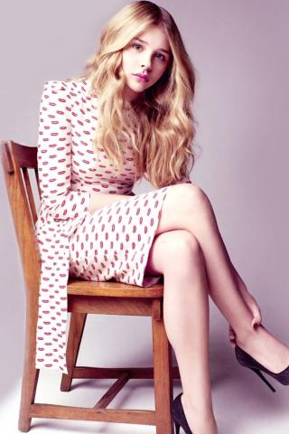 Chloe Grace Moretz, sit, celebrity, 320x480 wallpaper