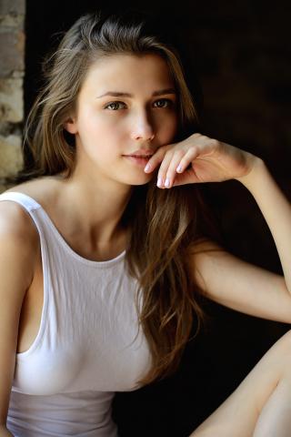 https://wallpapersmug.com/download/320x480/dc140e/beautiful-girl-model.jpg