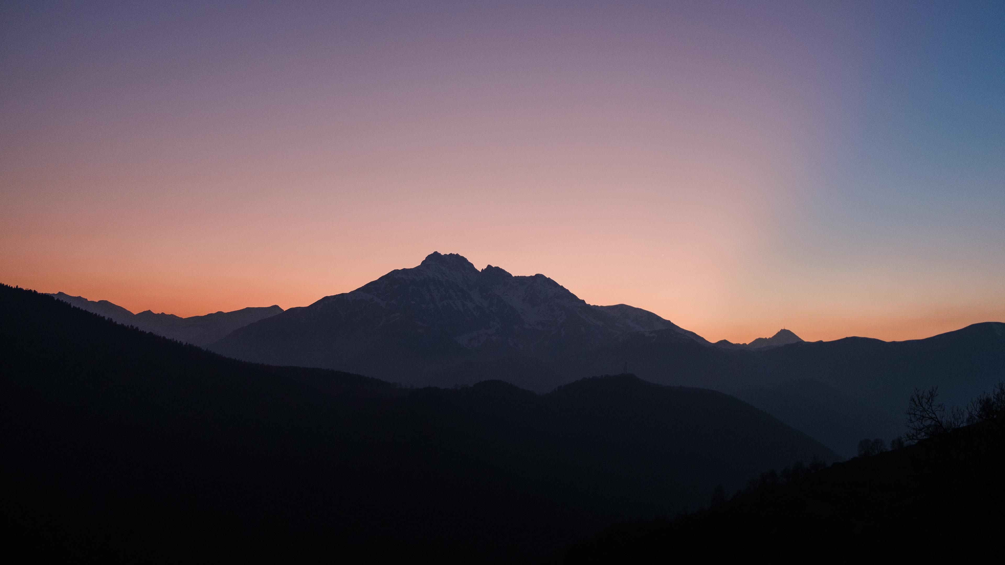 Mountains Sunset Clean Skyline Mist 3840x2400 Wallpaper