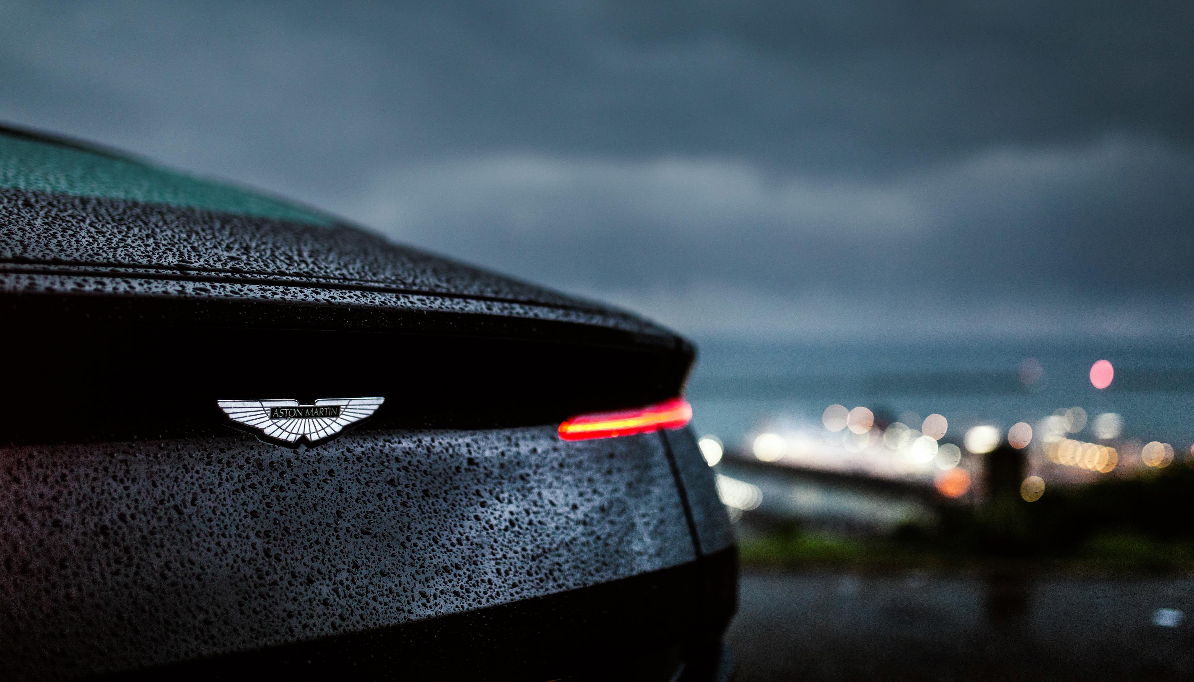 Download 3840x2400 Wallpaper Aston Martin Db11 Drops Rain Rear Taillight 4k Ultra Hd 16 10