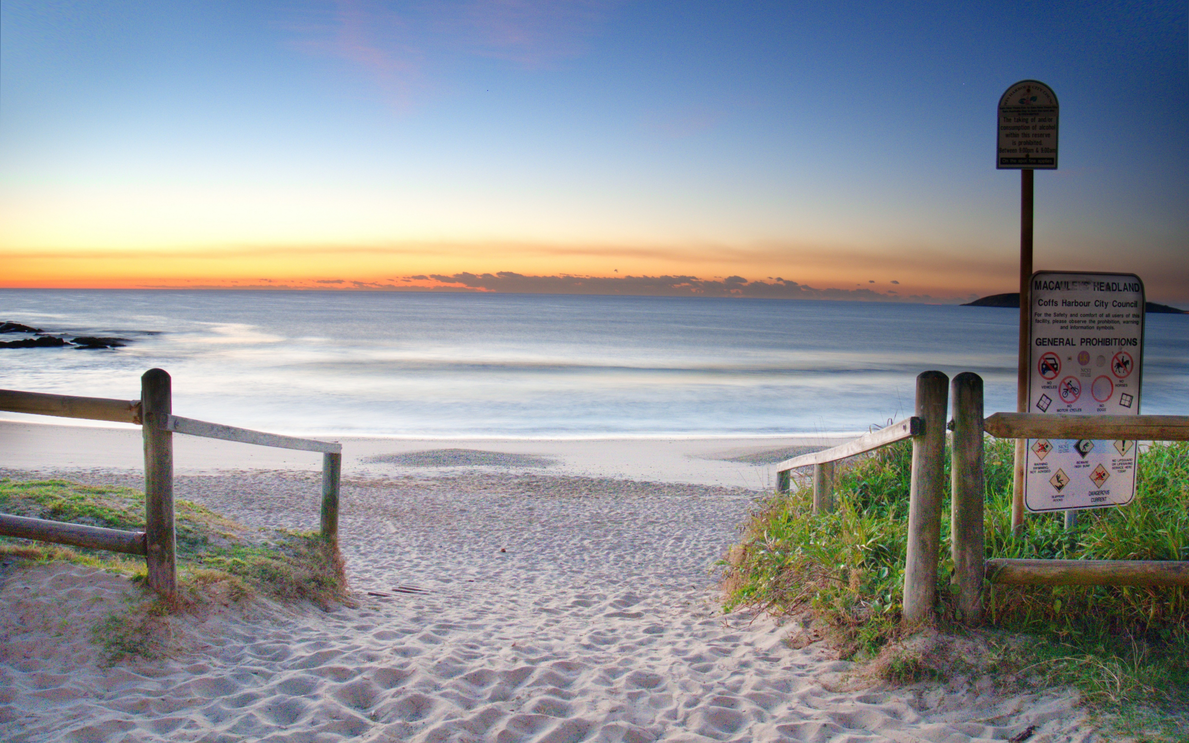 Download 3840x2400 Wallpaper Sand, Beach, Sunrise, Sky