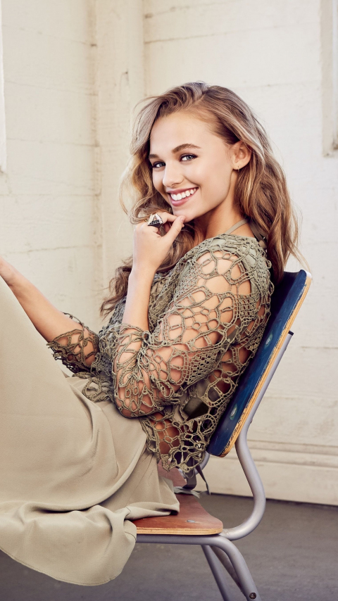 Madison Iseman, actress, smile, 2019, 480x854 wallpaper