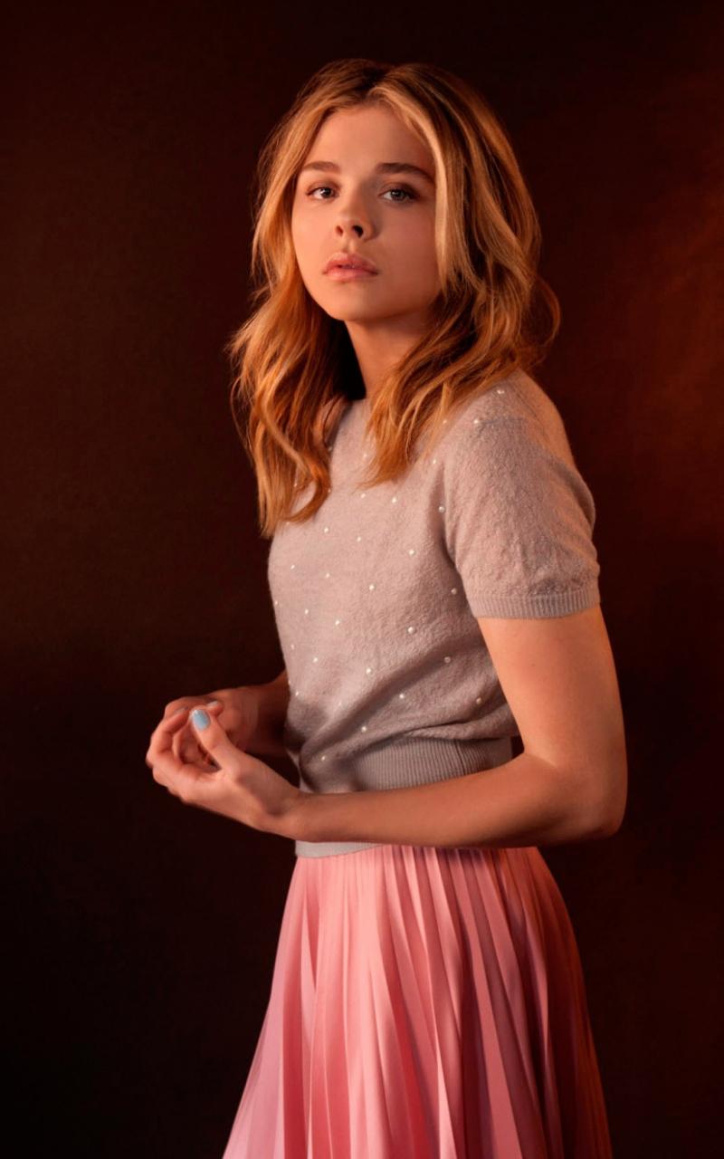 Actress, beautiful, Chloe Grace Moretz, portrait, 800x1280 wallpaper