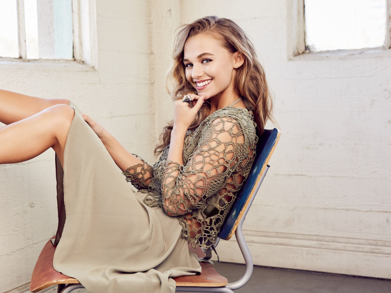 Madison Iseman, actress, smile, 2019, 800x600 wallpaper
