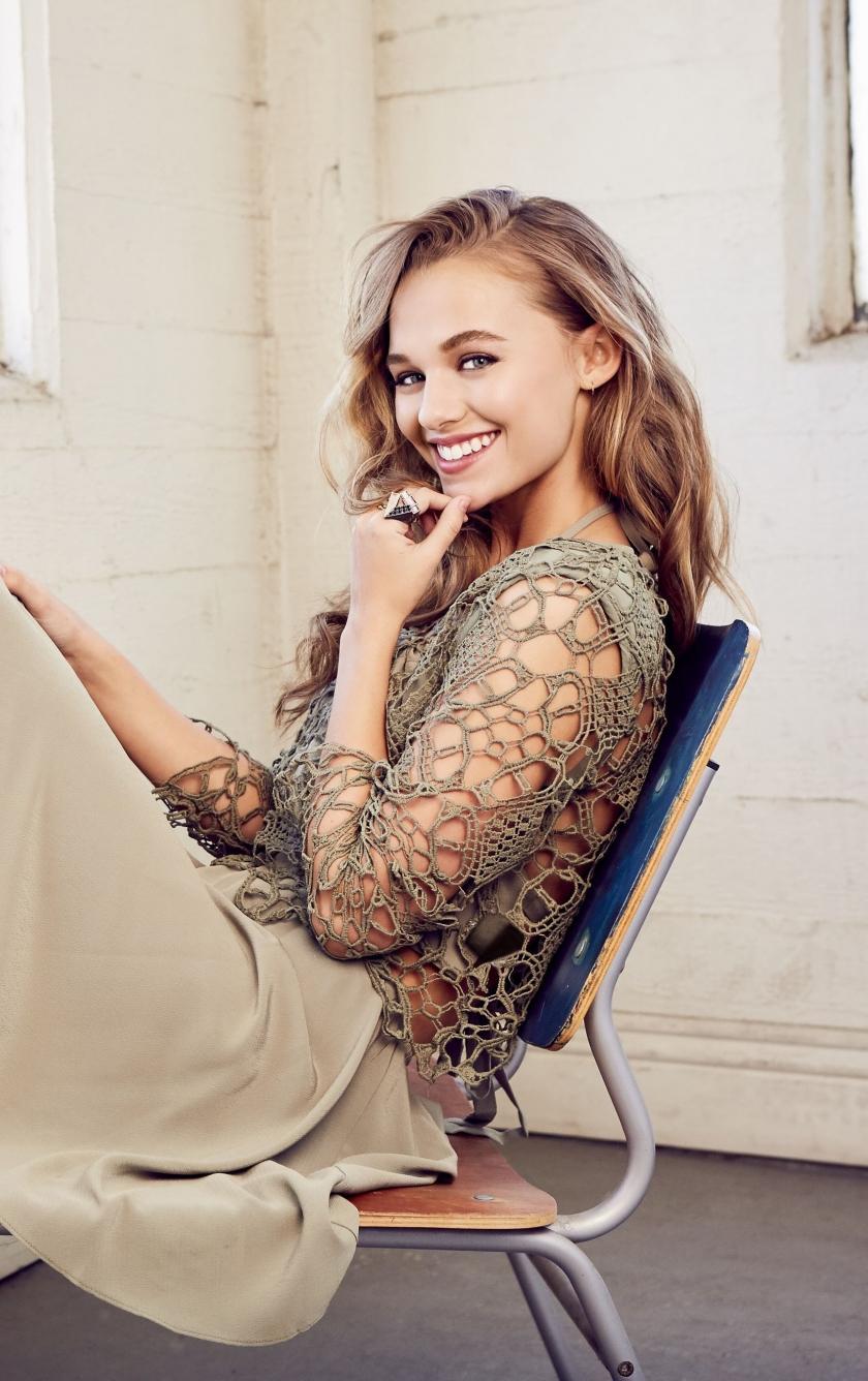Madison Iseman, actress, smile, 2019, 840x1336 wallpaper
