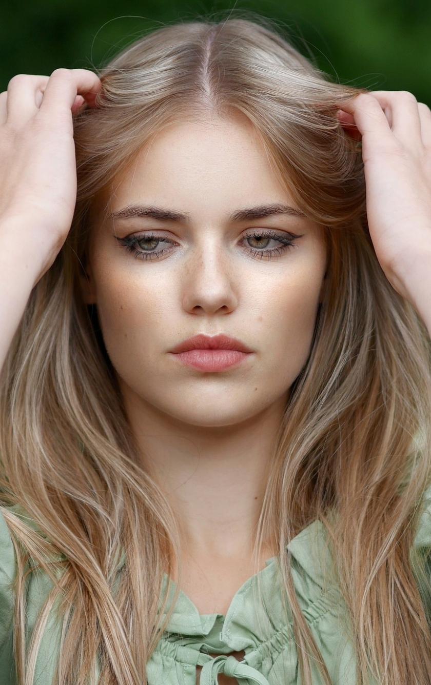 Pretty woman, blonde, model, beautiful, 840x1336 wallpaper
