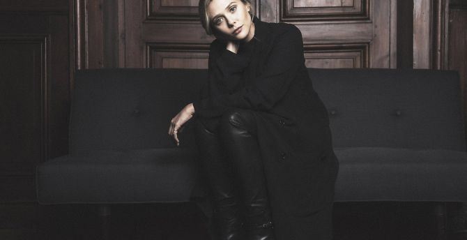 Calm, sofa, Elizabeth olsen, sitting wallpaper