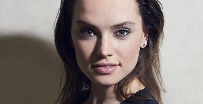 Gorgeous Actress Celebrity Daisy Ridley Wallpaper
