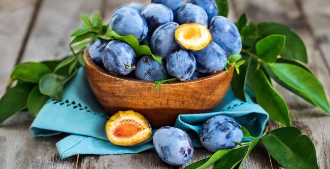 Plum, blue fruits, leaves, basket wallpaper