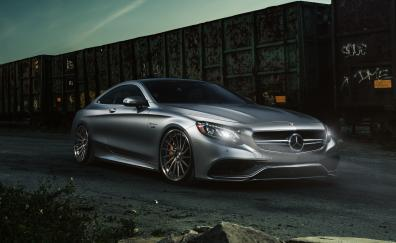 Mercedes amg s 63 4matic luxurious
