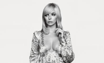 Jodie comer black and white hot