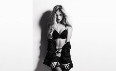 Danielle knudson model