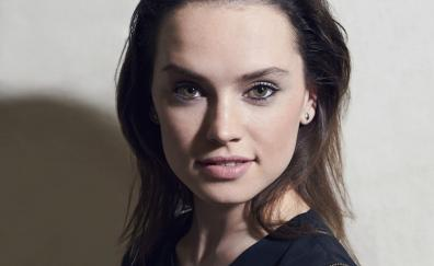 Gorgeous actress daisy ridley