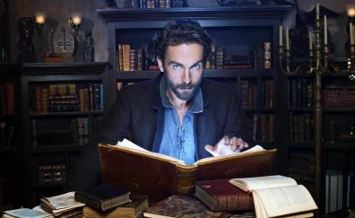 Sleepy hollow reading book actor tv series