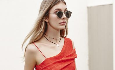 Camila morrone sunglasses