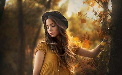 Brunette woman outdoor autumn