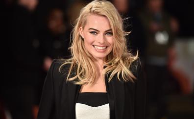 Margot robbie smile