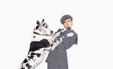 Gigi hadid, dog, Harpers Bazaar, may, 2018