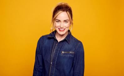 Red lips caity lotz jeans shirt